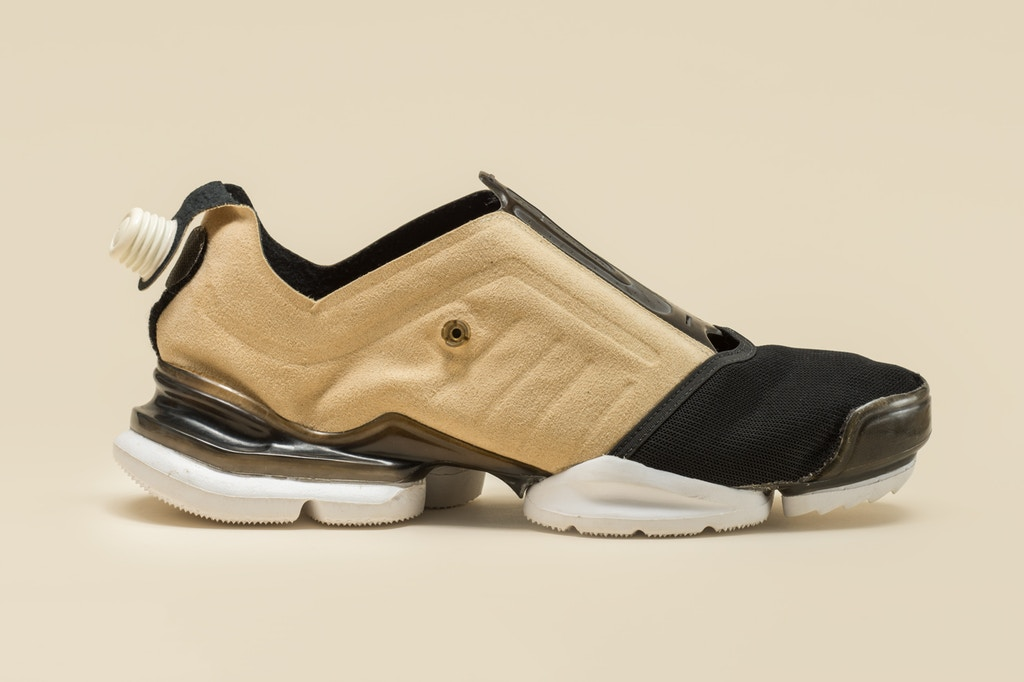 vetements-guram-gvasalia-reebok-running-shoes-2