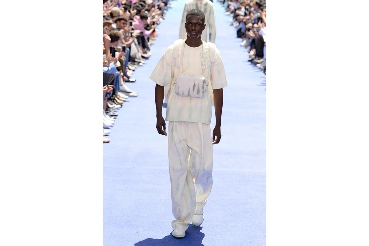 _0004_https---hypebeast.com-image-2018-06-louis-vuitton-spring-summer-2019-show-paris-fashion-week-26
