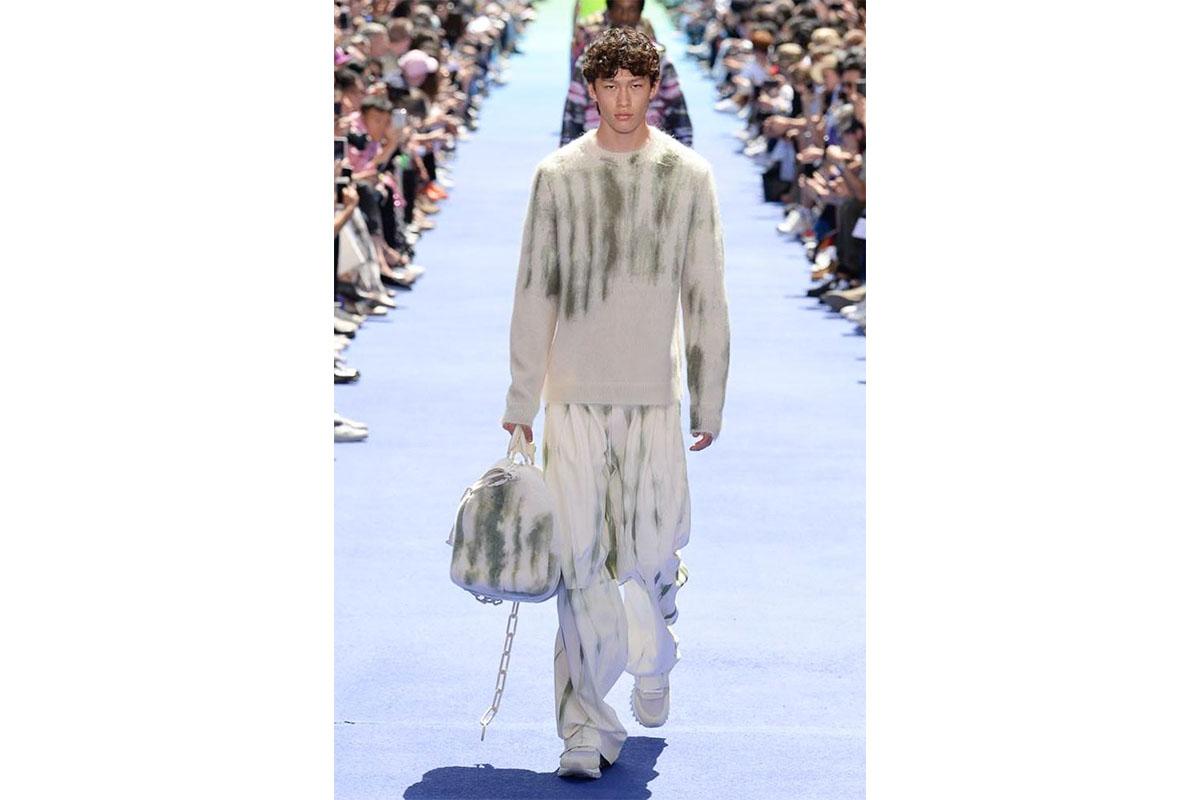 _0005_https---hypebeast.com-image-2018-06-louis-vuitton-spring-summer-2019-show-paris-fashion-week-27