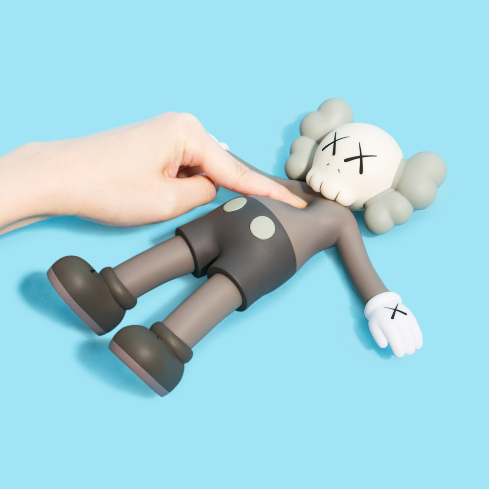 kaws_holiday_capsule_dtf_4
