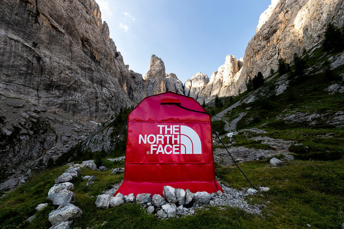 the_north_face_pinnacle_pop_up_dtf_2