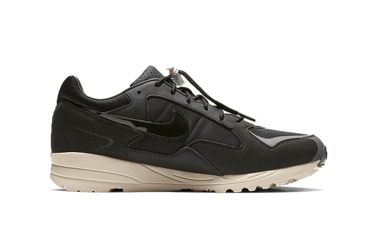 -dtf-magazine_0001_https---hypebeast.com-image-2018-12-fear-of-god-nike-air-skylon-2-black-clean-look-3