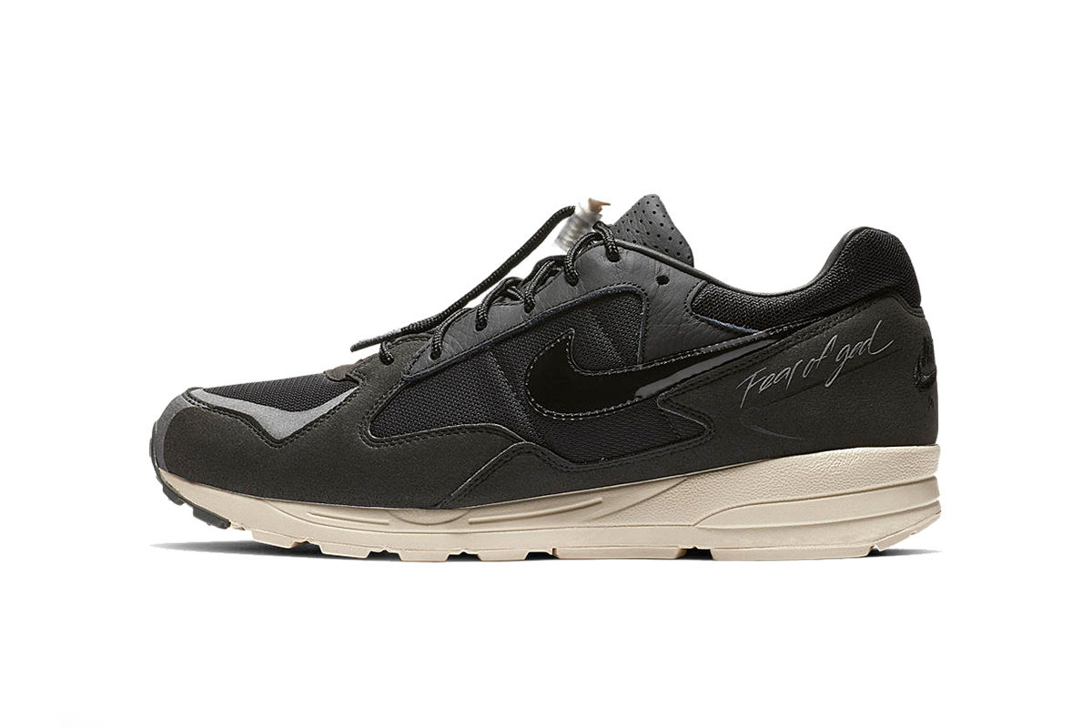 -dtf-magazine_0002_https---hypebeast.com-image-2018-12-fear-of-god-nike-air-skylon-2-black-clean-look-2