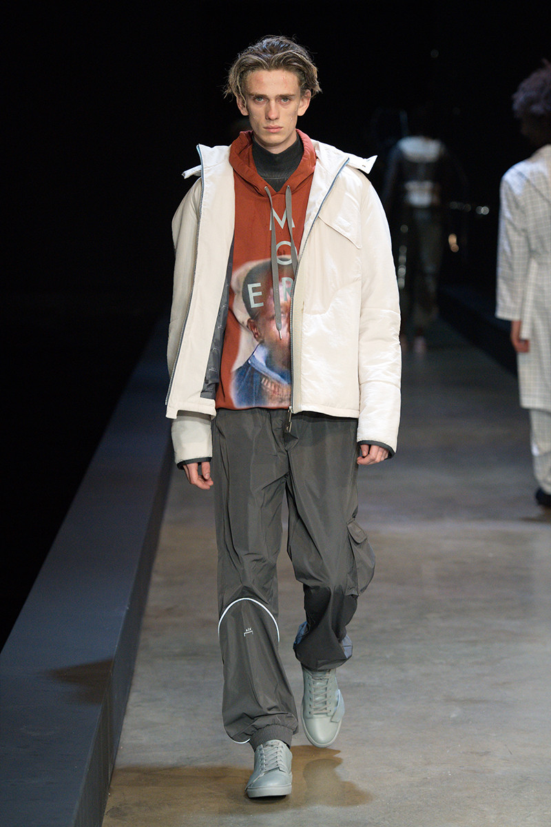 https---a-cold-wall-ss19-dtf-magazine.com-image-2019-01-a-cold-wall-fw19-lfwm-runway-presentation-013