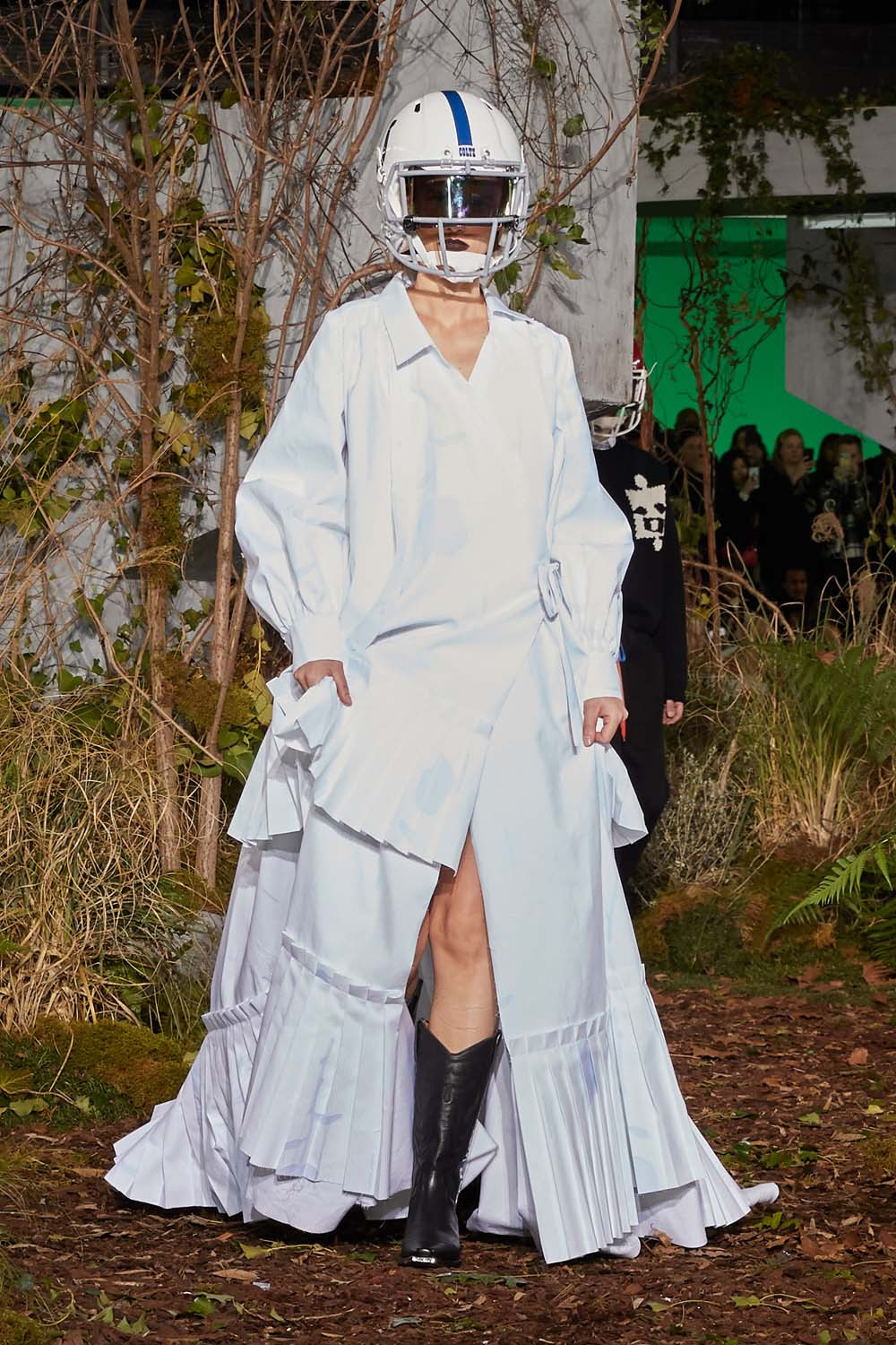 https---hypebeast.com-image-2019-01-off-white-fall-winter-2019-paris-runway-32
