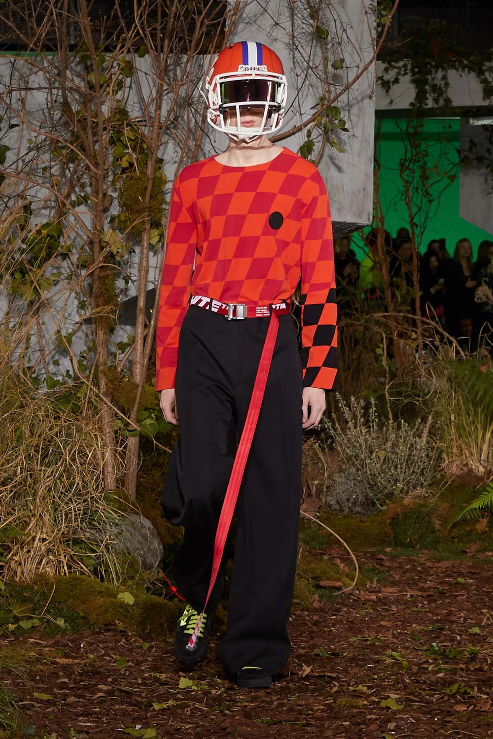https---hypebeast.com-image-2019-01-off-white-fall-winter-2019-paris-runway-34