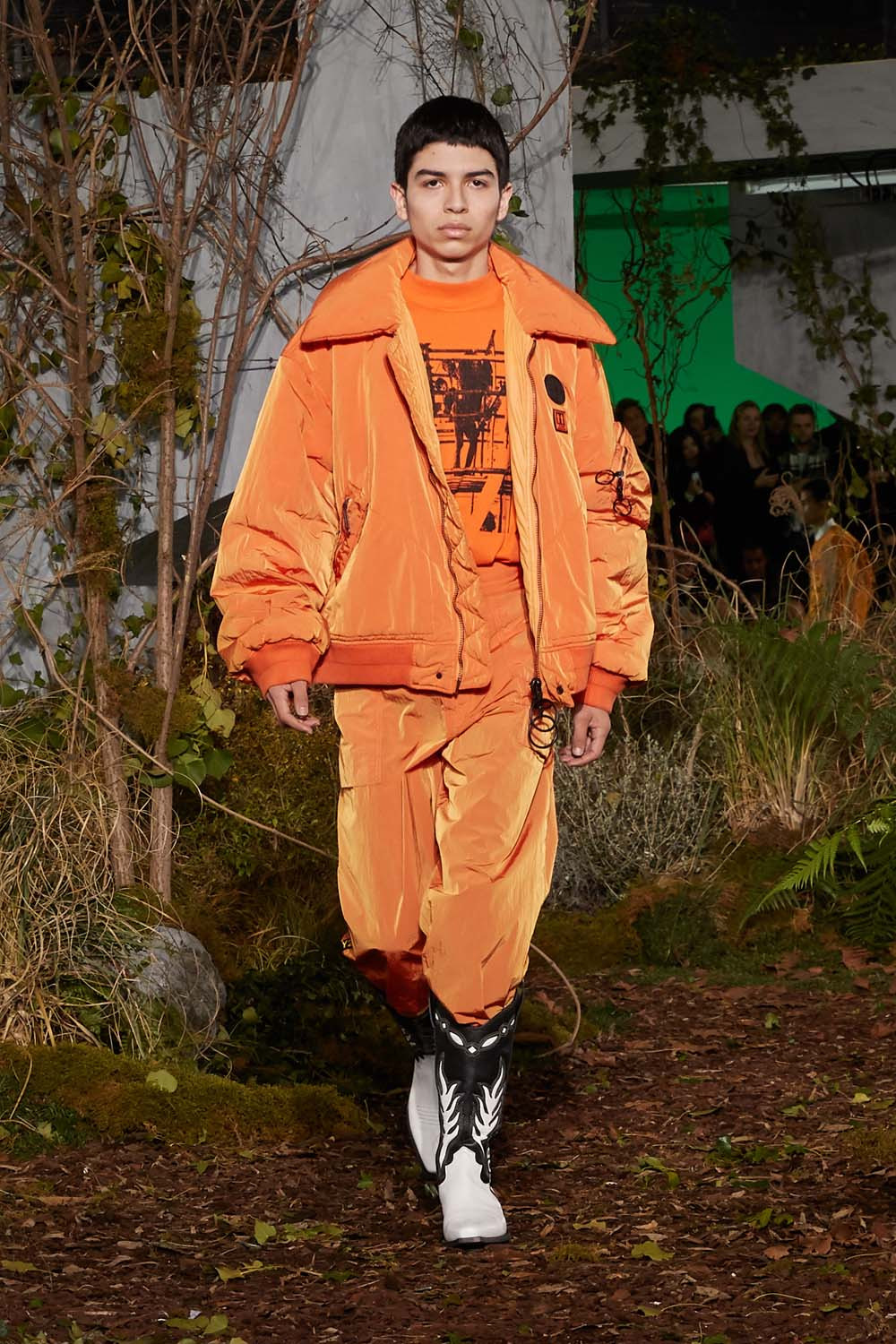 https---hypebeast.com-image-2019-01-off-white-fall-winter-2019-paris-runway-39