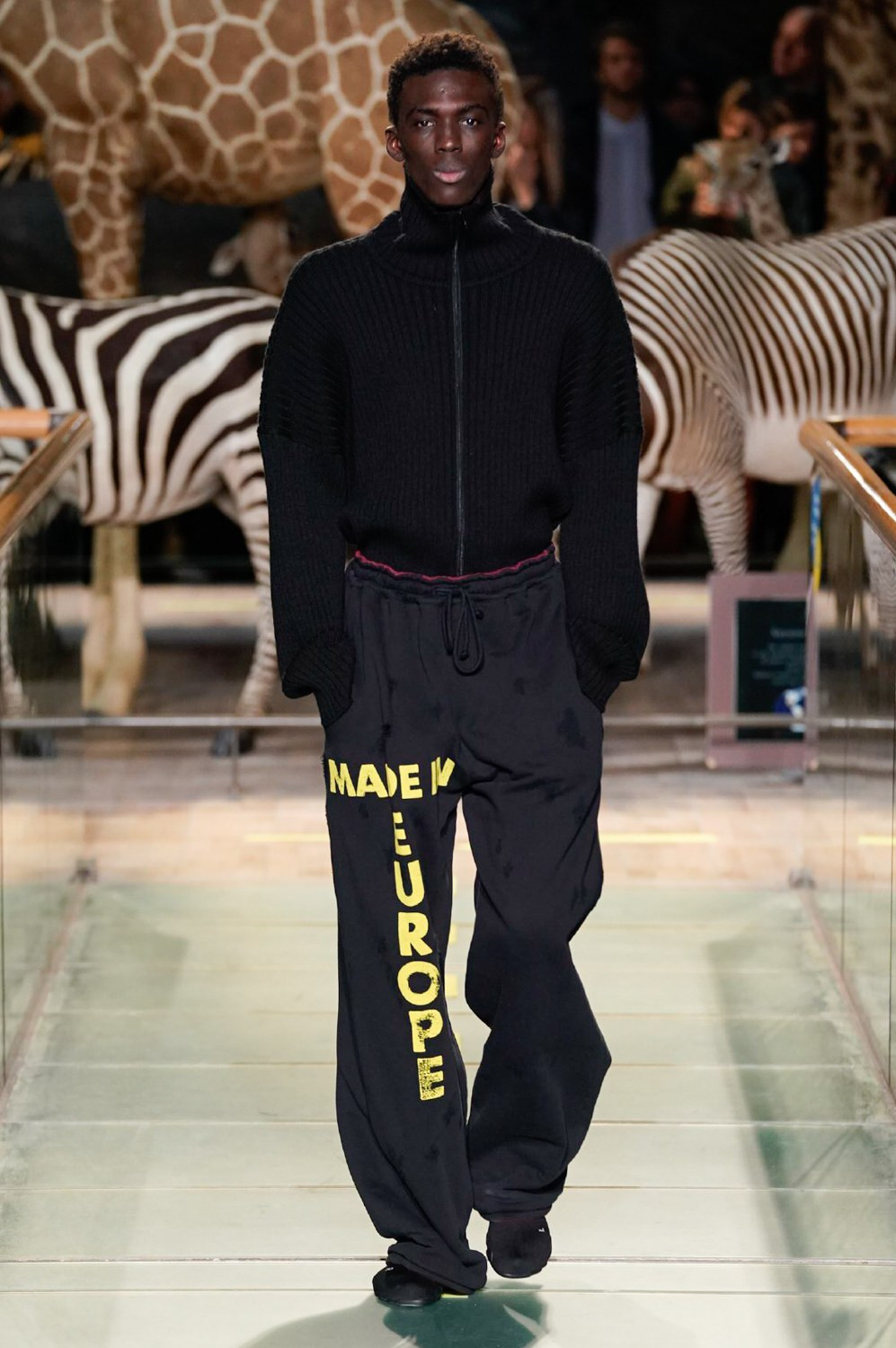 https---vetements-aw19-dtf-magazine.com-image-2019-01-vetements-fall-winter-2019-paris-fashion-week-04