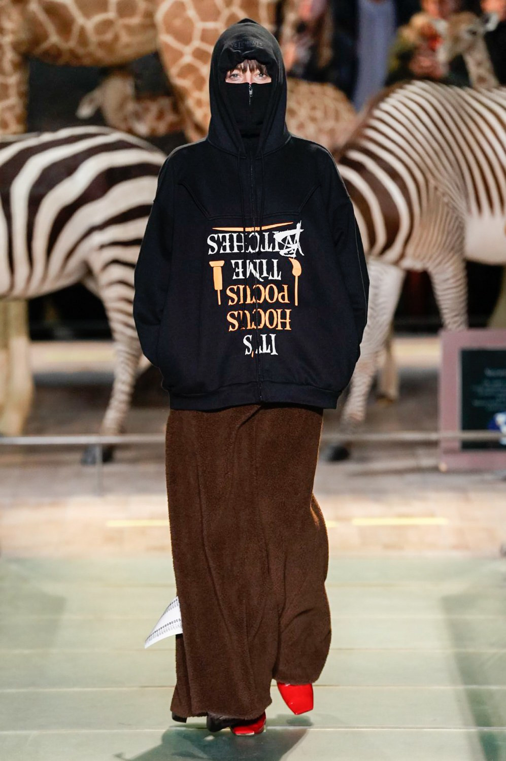 https---vetements-aw19-dtf-magazine.com-image-2019-01-vetements-fall-winter-2019-paris-fashion-week-10