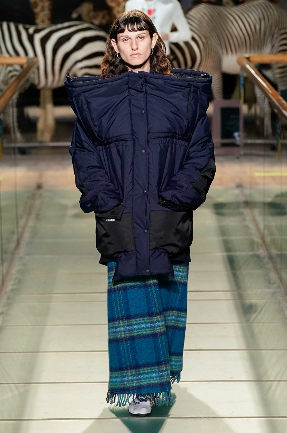 https---vetements-aw19-dtf-magazine.com-image-2019-01-vetements-fall-winter-2019-paris-fashion-week-16