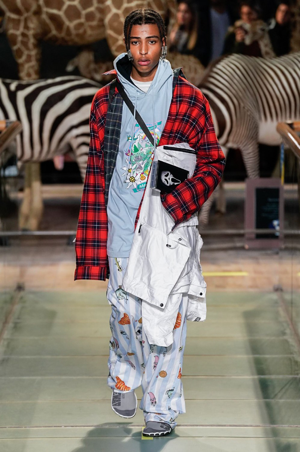 https---vetements-aw19-dtf-magazine.com-image-2019-01-vetements-fall-winter-2019-paris-fashion-week-37