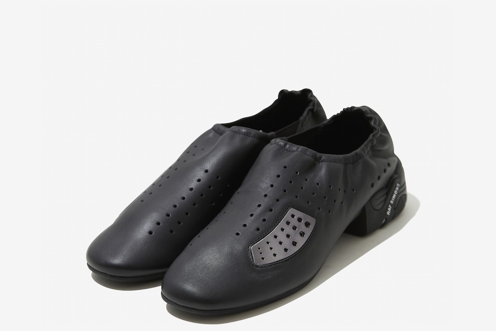 raf-simons-shoes-dtf-magazine-06